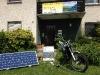 Solarmodul um Elektromotorrad zu laden...